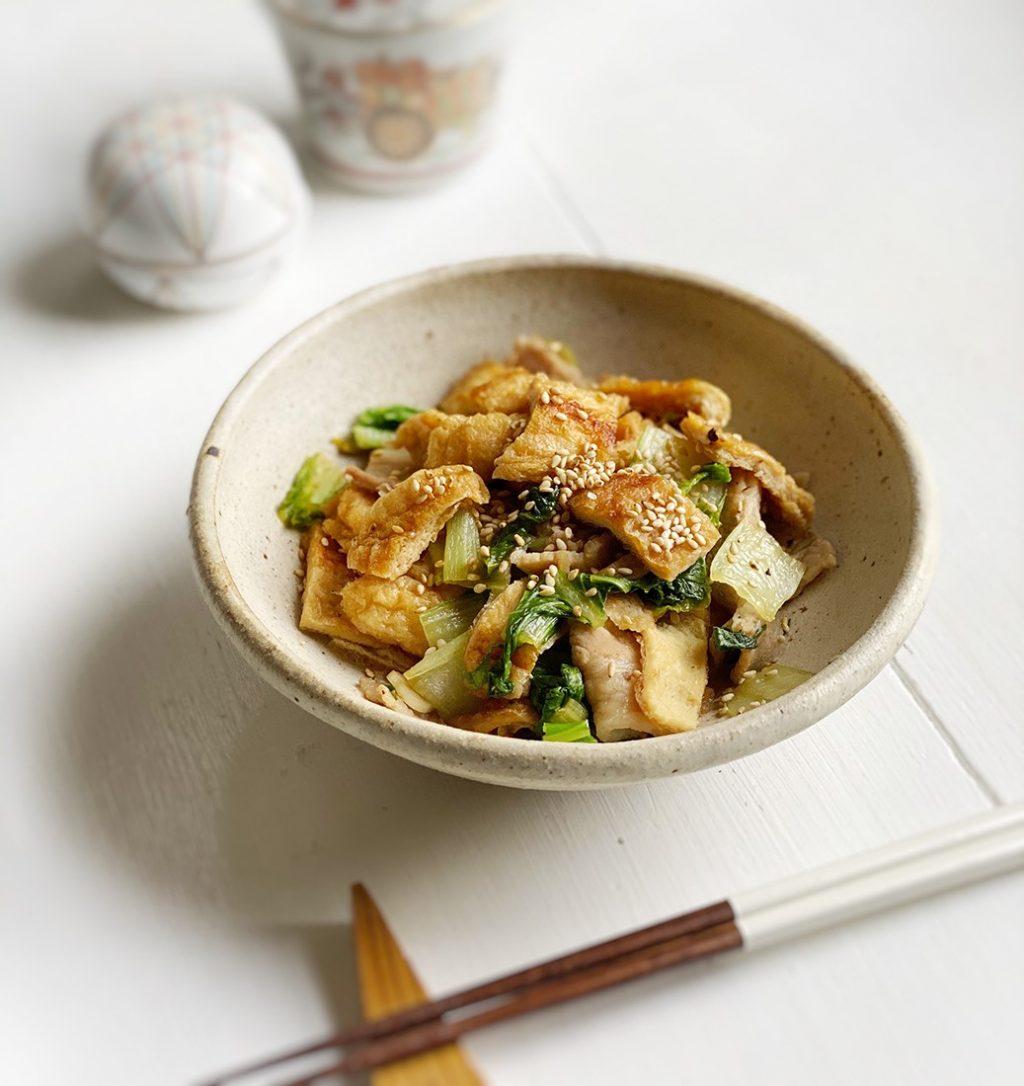 揚げと小松菜のナンプラー炒め