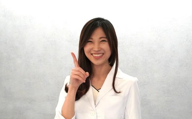 産婦人科専門医の三輪綾子先生