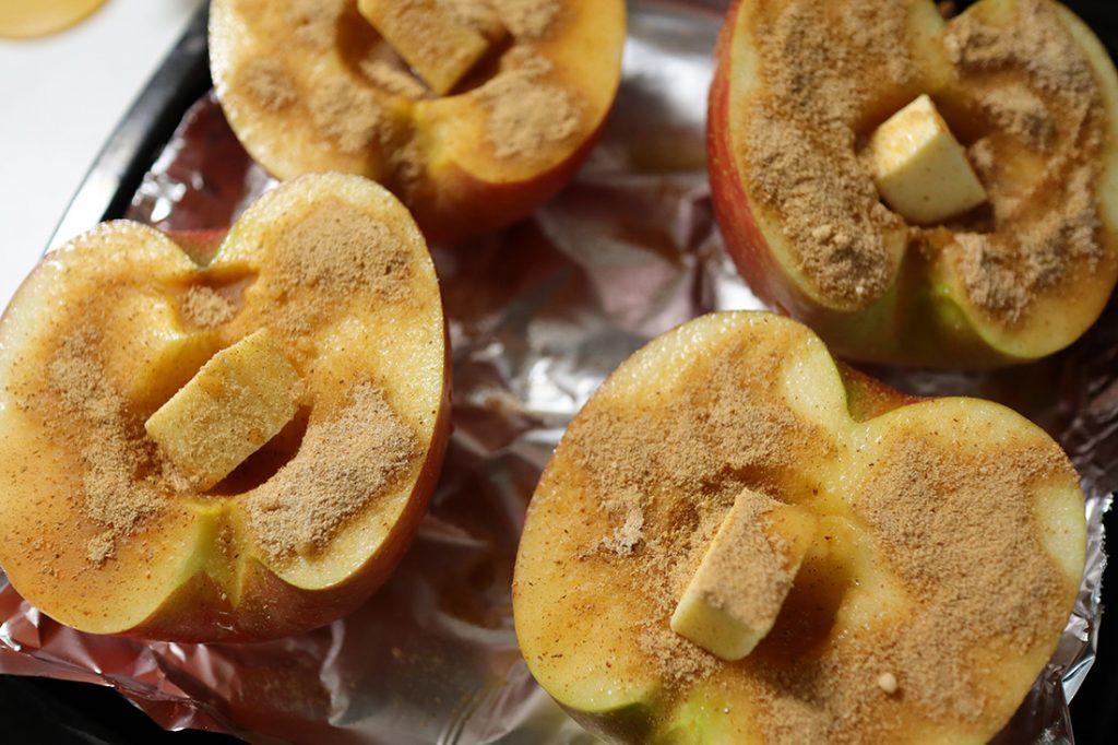 焼きリンゴのアイスのせ-手順2