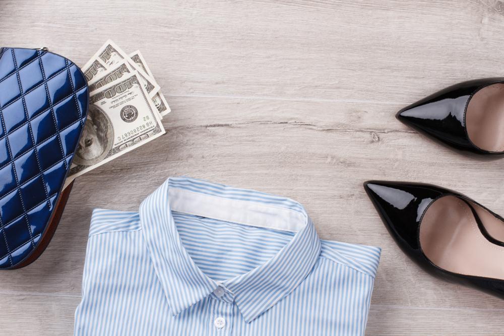 お金と洋服