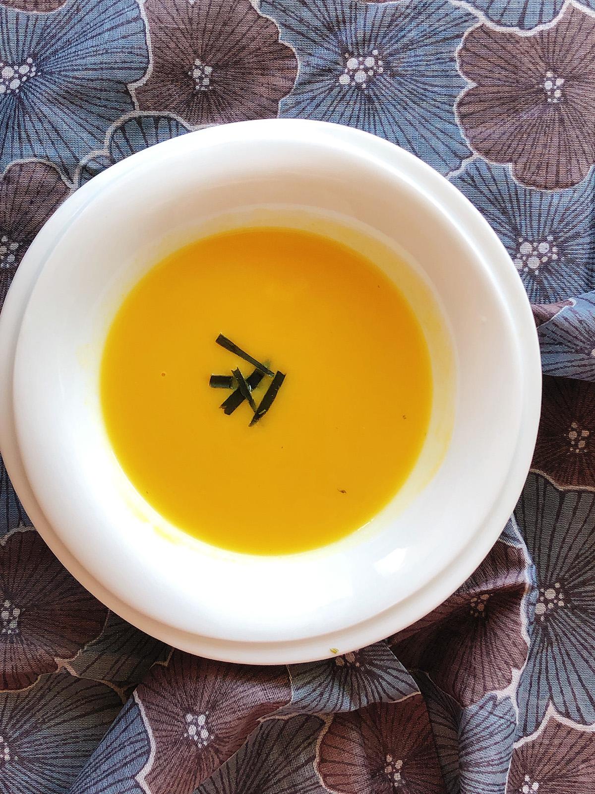 昆布だしのお芋スープ